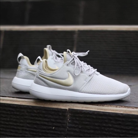06a7979f58dbf Women s Nike Roshe Two Knit Sneakers